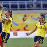 La Selección femenina de fútbol enfrentará a Brasil por la medalla de oro en Toronto.Jugadoras de la Selección Colombia celebran el gol con el que vencieron a Canadá.
