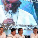 El Papa Francisco hizo votos por fortalecimiento institucional del país como base de la paz