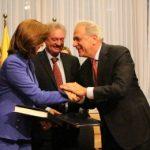 Canciller Holguín firmó el Acuerdo de exención de visa de corta estancia con la Unión Europea