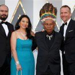 Ciro Guerra, Cristina Gallego, Antonio Bolívar y Brionne Davis en la alfombra roja de los premios Oscar