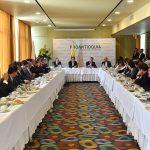 Acompañado por directivos de Proantioquia, el Presidente Santos conversó con 60 empresarios sobre el proceso de paz, el sistema de salud y las obras de infraestructura para el departamento.