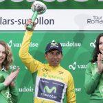 El colombiano Nairo Quintana, del equipo Movistar, celebra el liderato tras la cuarta etapa del Tour de Romandie en Suiza el sábado 30 de abril de 2016. El domingo, Quintana culminó la obra y se llevó el campeonato. (Laurent Gillieron/Keystone via AP)