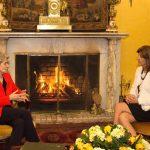 Irina Bokova, Directora del Unesco, llegó a Bogotá para participar en la Decimosexta Cumbre de Premios Nobel de paz, que comienza mañana. Por su parte la canciller María Ángela Holguín resaltó el apoyo técnico que brindará la Unesco en la etapa del posconflicto, en temas de educación principalmente.