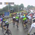Imagen de la caída que ha afectado a Chris Froome en la etapa 2 del Tour de Francia