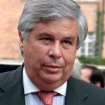 Víctor G Ricardo