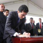 El Presidente asistió a la firma del Contrato Plan entre el Gobernador de Boyacá y el director del Departamento Nacional de Planeación, Luis Fernando Mejía, por un billón de pesos.
