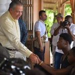Vicepresidente presentó oferta del Gobierno a jóvenes que entregarán armas en Quibdó