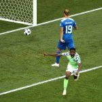 Nigeria derrotó por 2-0 a Islandia 12