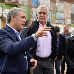 El Presidente Duque asistió al lanzamiento de la convocatoria Inquilinos del Bronx Distrito Creativo en Bogotá. Lo acompañan el Alcalde Mayor y la Ministra de Trabajo.