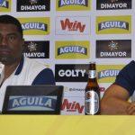Director técnico del Once Caldas, Huberth Bodhert en Rueda de Prensa en Medellín