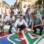 En la previa del #ClásicoPaisa, @anrive10 y Hernán Barcos compartieron en las calles de la ciudad para fomentar el fútbol en paz. 2019-03-15 20.45.15